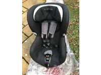 2 Maxi Cosi car seats for sale at £110 or £60 individually. Located in Scottish Borders.