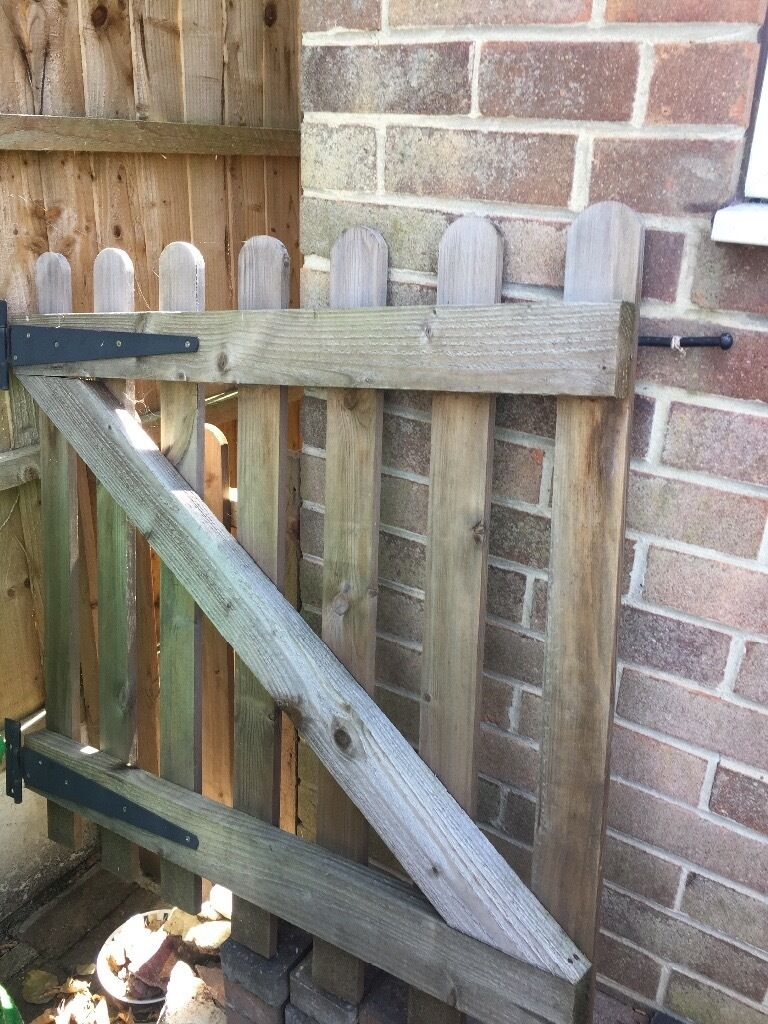 Garden gate and two fence panels