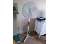 Large electric fan on a stand - EXCELLENT - like new £10