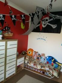 Pirate ship toddle bed (solid wood) *like new condition*