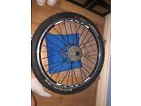 NEAR NEW - Complete MTB Rear Wheel