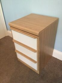 One 3 Drawer Pine Effect & White Bedside Cabinet H28in/71cm W17.5in/45cm D19in/49cm