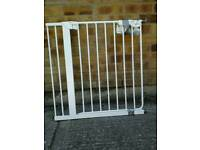 5 x variable brands of baby gates £10 each