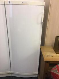5ft fridge can deliver