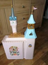 Cinderella / barbie princess castle