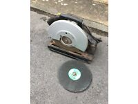 Draper chop saw. Working order. Includes spare discs