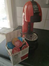 Dolce Gusto coffee machine with 20 pods