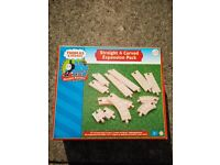 Thomas & Friends Wooden Railway: Straight & Curve Expansion Pack