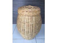 Alibaba wicker linen basket