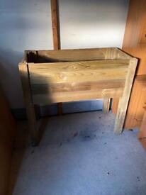 Wooden Flower/Vegetable Raised Bed Palnter