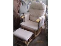 Babyweavers Glider Nursing chair and gliding stool in cream