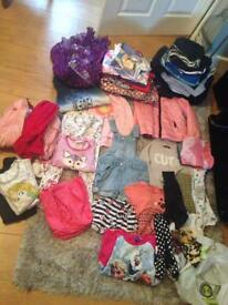 Clothes girl 3 to 5 yrs old, and boy clothes 9,10 yrs old