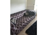 Stunning huge 4 seater couch