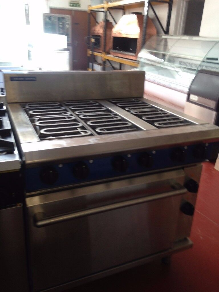 Blue Seal Evolution Series E506D - 900mm Electric Range Static Mint Condition / Restaurant