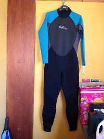Ladies Wetsuit for sale. Size 18