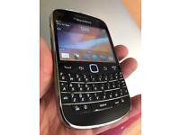 Blackberry bold 9900 black unlocked excellent condition