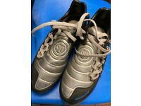 NIKEs Total Ninety BOYS football Boots