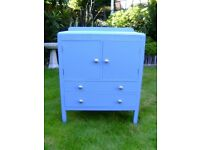 Chest of drawers cupboard