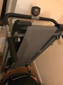 Excellent condition non-motorised treadmill just £20