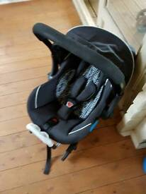 Silvercross 3d pram ,carseat and isofix wiv all the extra s ie rain cover ,footmuff and insert