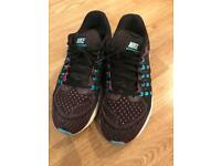 Nike Zoom Vomero 11 Trainers Size 6.5