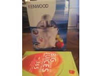 Kenwood chrome JE356 juicer boxed and book !