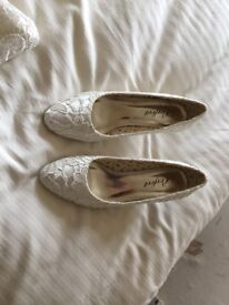 Wedding Shoes worn once by mother of the bride, kitten heels, very comfortable