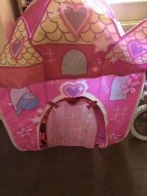 Pink girls play tent good condition