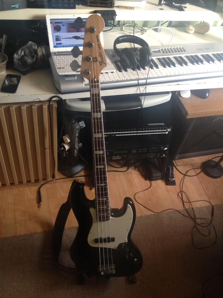 fender 70s jazz bass made in mexico with dimarzio model j pick ups in earlsfield london. Black Bedroom Furniture Sets. Home Design Ideas