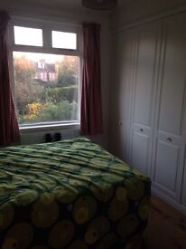 Two double room are availbale in Mortlake,Richmond,£600-£650 per month,all bill included