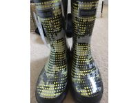 childs regatta wellies, size 1, BNWT