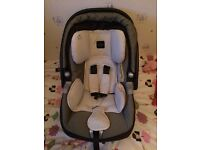 Mamas and Papas Primo Viaggio Baby Car Seat and Carrier