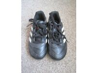Addidas size 10 childrens Football boots/togs