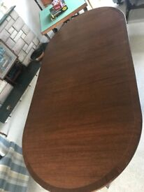 SOLID MAHOGANY REGENCY STYLE TWIN PEDESTAL EXTENDING DINING TABLE