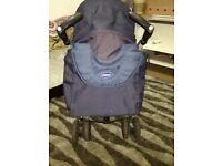 3-1 chicco pram, solid, used in good condition, color blue dark, colect in person cash in hand only.
