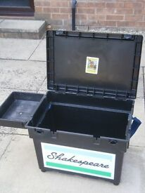 Shakespeare fishing seat box , side tray And cushion