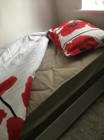 Single divan bed & mattress