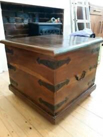 Wooden vintage storage blanket box chest coffee table