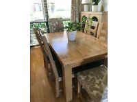 Solid Oak dining room table & 6 chairs