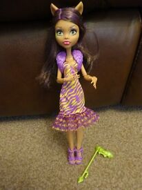 As New Monster High Welcome to Monster High Clawdeen Wolf Doll outfit and Accessories £4 ideal gift
