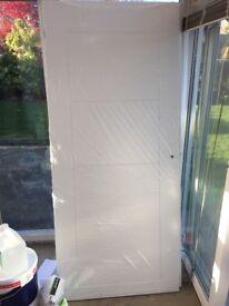 5 interior pre finished doors. 864*1981*35. £20 a door