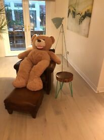 Giant teddy bear beautiful soft n cuddly ideal gift brand new can deliver locally 25 available £40