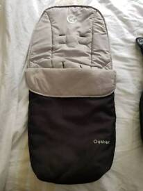 Babystyle Oyster cosy foot muff, 2 raincovers plus full clear rain cover.