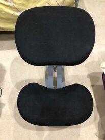 Kneeling Chair with Steel Frame in Black