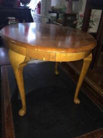 Sweet Vintage Walnut Veneer Oval Coffee Table