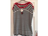 STRIPED KNITTED TOP (BEN DE LISI) SIZE 20