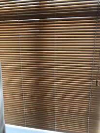 Oak wooden Venetian blind
