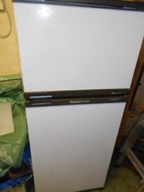 Hotpoint Iced Diamond 8326 used good working order collection only