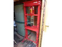 20 Ton Manual Workshop Press.
