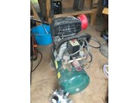 Air compressor ,air pressure regulator,airline and spray gun hardly used